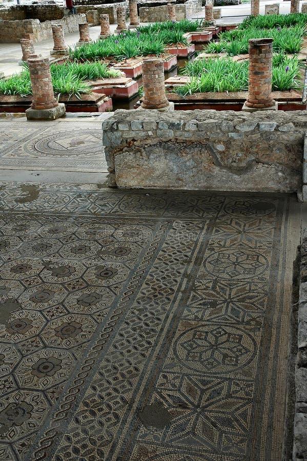 Download Jardim romano foto de stock. Imagem de decoração, ruínas - 200452