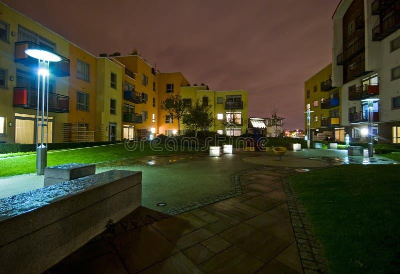 Jardin communal la nuit image libre de droits