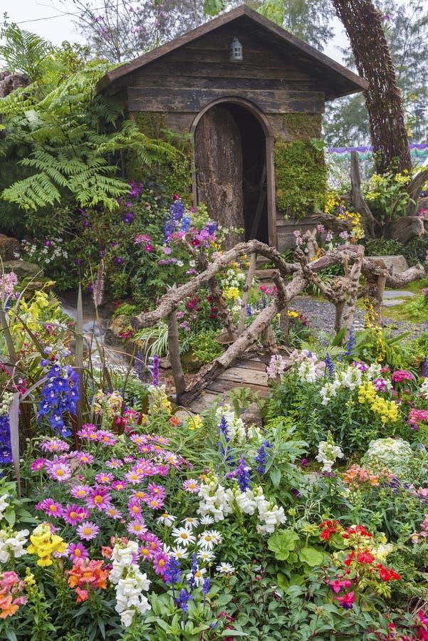 Jardin d'agrément d'arrière-cour images libres de droits