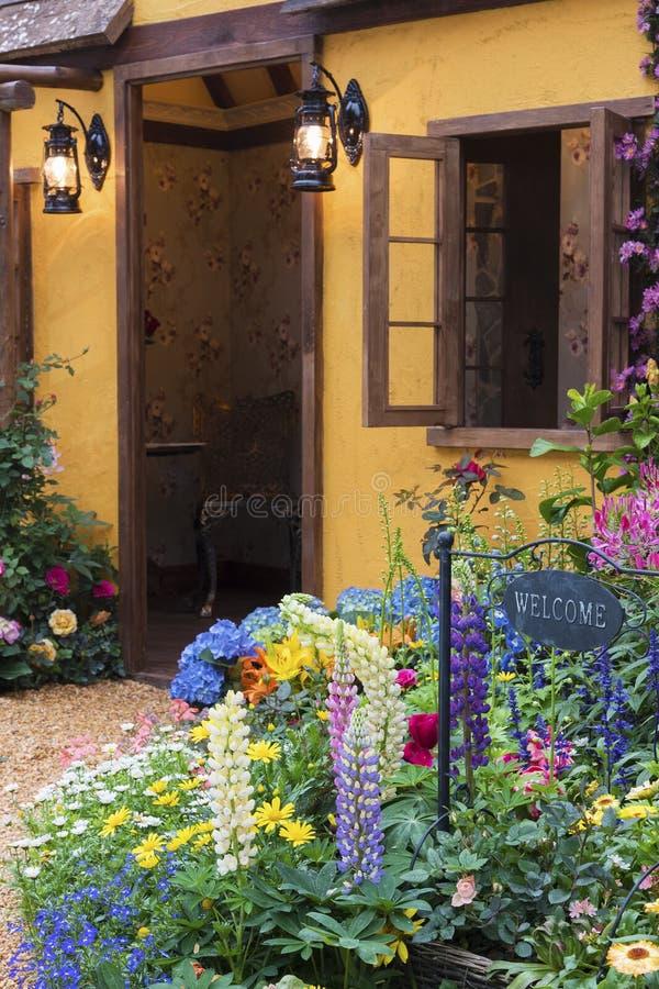 Jardin d'agrément d'arrière-cour photographie stock libre de droits