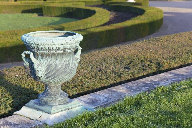 Jardin dans le château de Versailles photos stock
