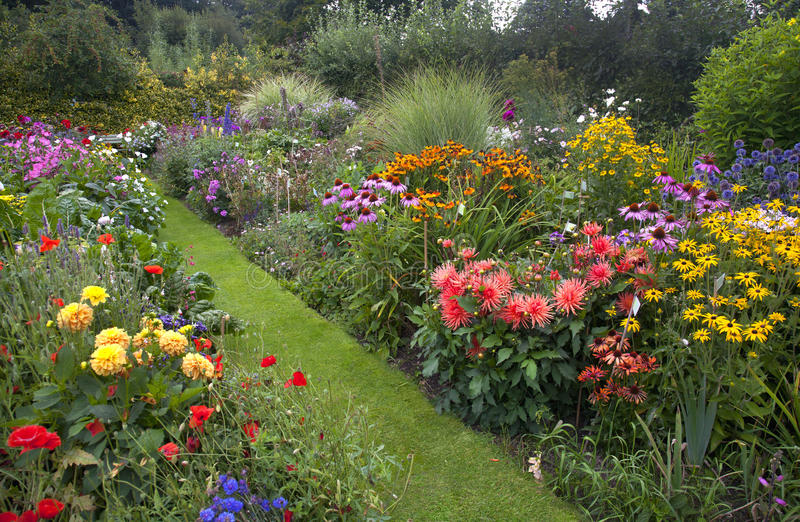 Jardin de cottage images libres de droits