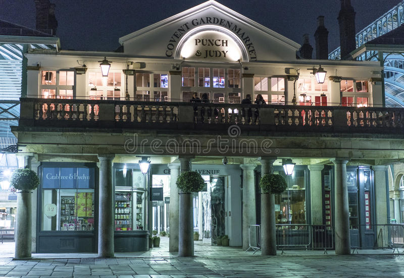 Jardin de Covent par nuit - Londres Angleterre R-U images stock