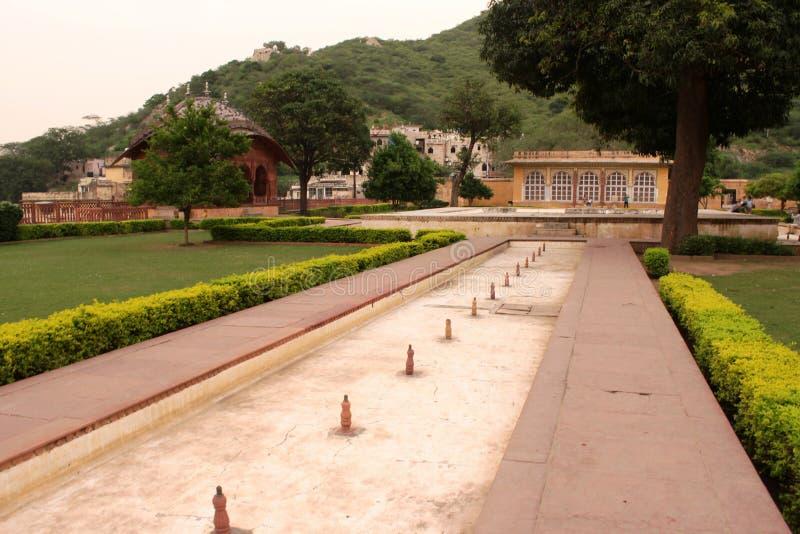 Jardin de Dalaram vers le bas du fort ambre photographie stock libre de droits