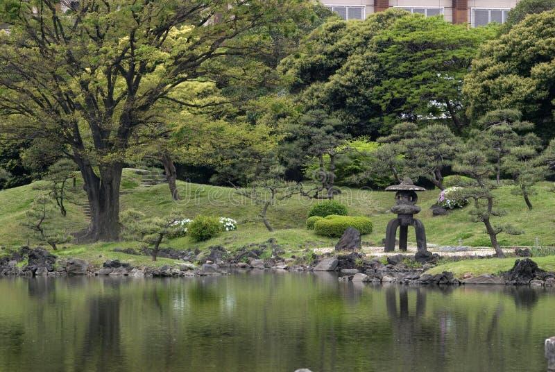 Jardin de Kyu-Shiba-Rikyu, Tokyo, Japon photos stock