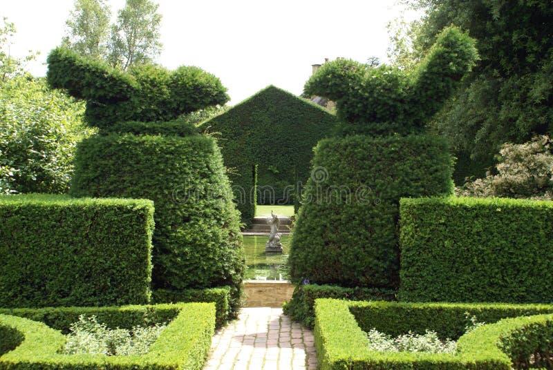 Jardin de noeud jardin topiaire image stock image du - Jardin topiaire ...