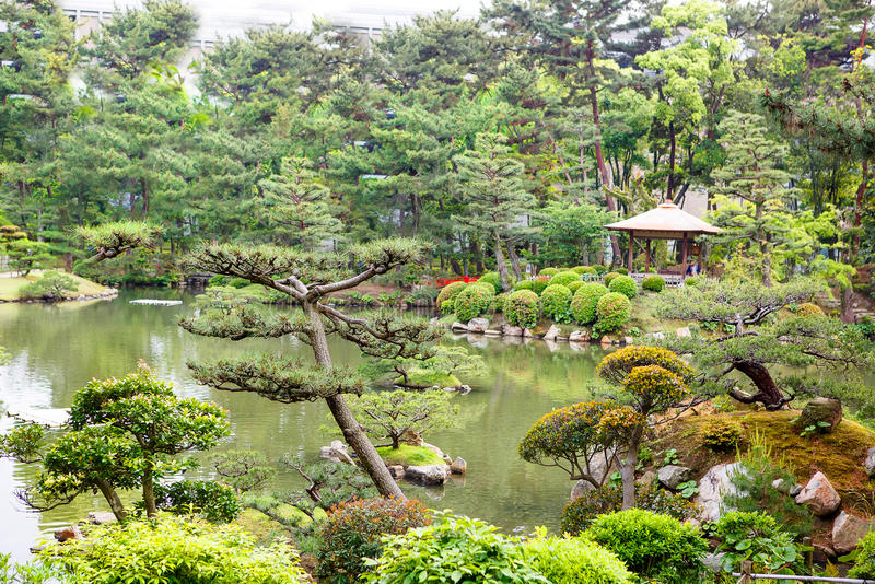 Jardin de style japonais à Hiroshima, Japon photographie stock libre de droits