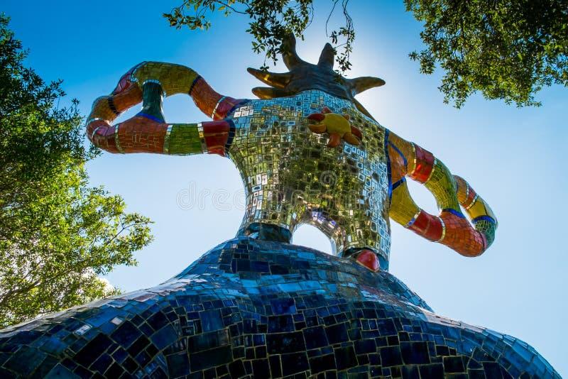 Jardin de tarot près de Pescia Fiorentina en Toscane images libres de droits