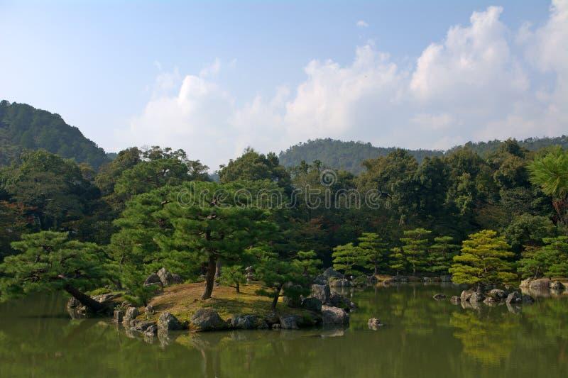 Jardin de temple de Kinkaku, Kyoto, Japon photographie stock libre de droits