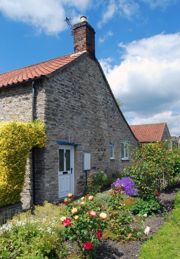 Jardin en terrasse image stock image du anglais saisons for Terrasse jardin anglais