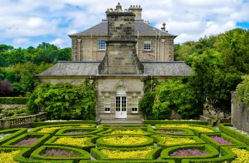 Jardin formel à la maison de Pollok en parc de pays de Pollok photographie stock
