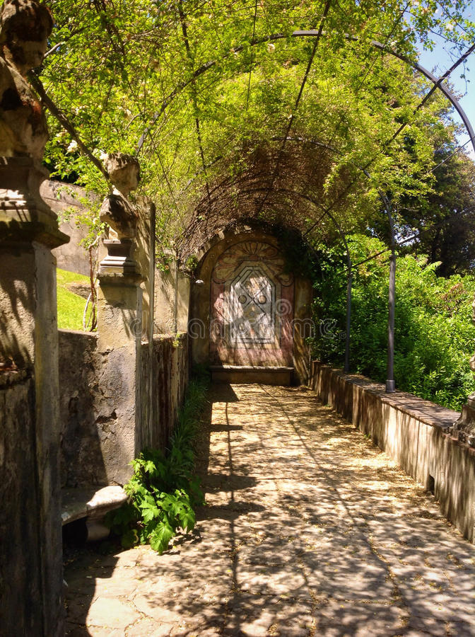 Jardin historique en Toscane photos stock