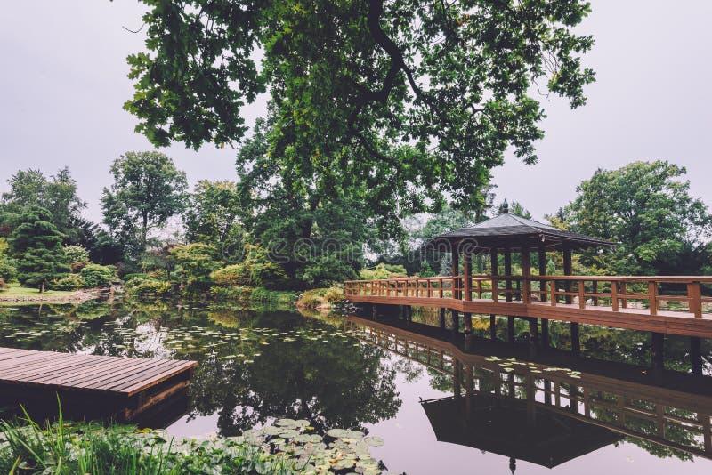 Download Jardin Japonais à Wroclaw, Pologne Photo stock - Image du passerelle, botanique: 87708316