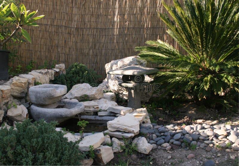 jardin japonais photo stock image du centrales vert fontaine 489710. Black Bedroom Furniture Sets. Home Design Ideas