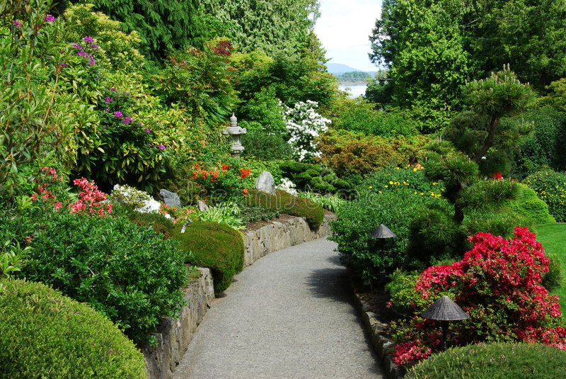 Jardin japonais dans des jardins de butchart photo libre de droits