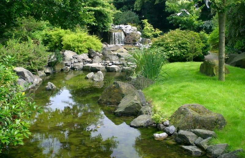 Jardin japonais de l'eau photographie stock