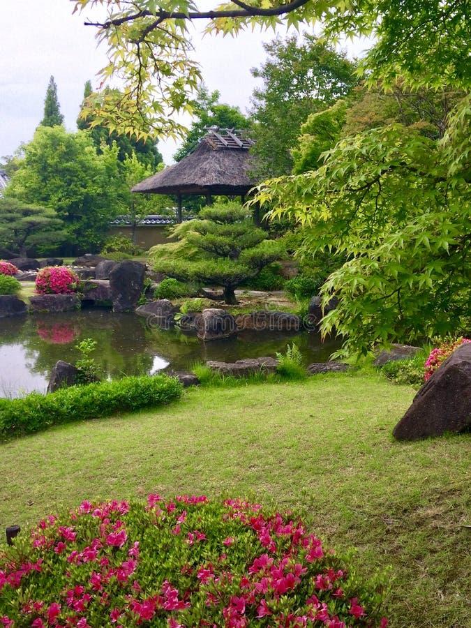 Jardin traditionnel japonais image stock
