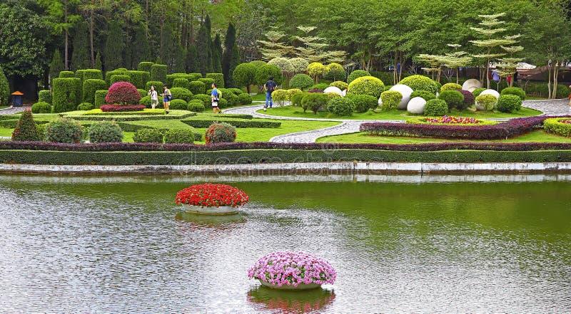 Jardin tropical à la fenêtre de Shenzhen du monde photographie stock