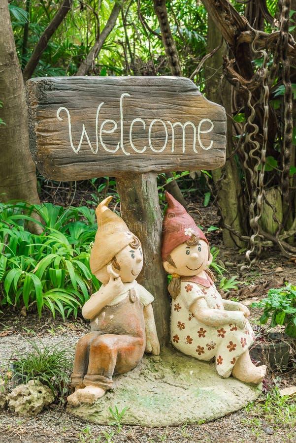 Download Jardin vert photo stock. Image du beau, porcelaine, culture - 56490854