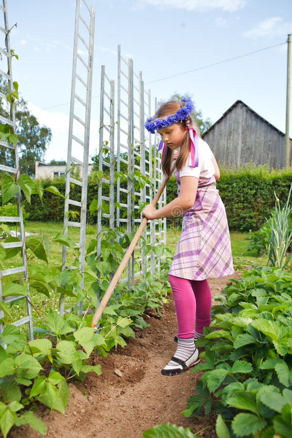 Jardinagem da menina imagem de stock royalty free