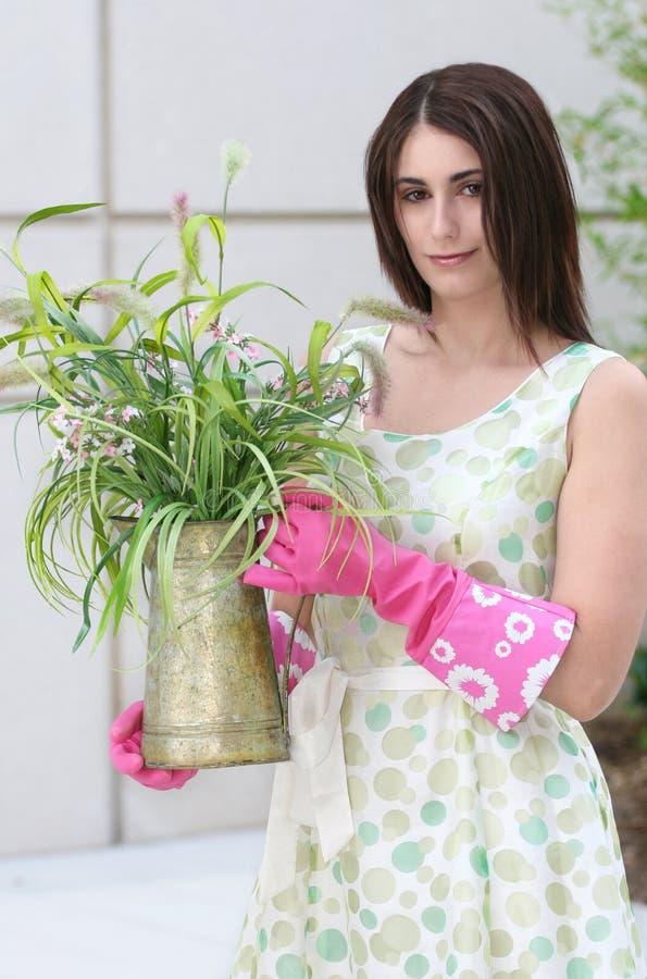 Jardinagem da mulher fotos de stock royalty free