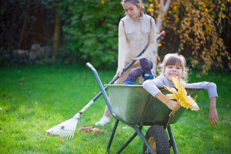 Jardinagem das crianças fotografia de stock royalty free