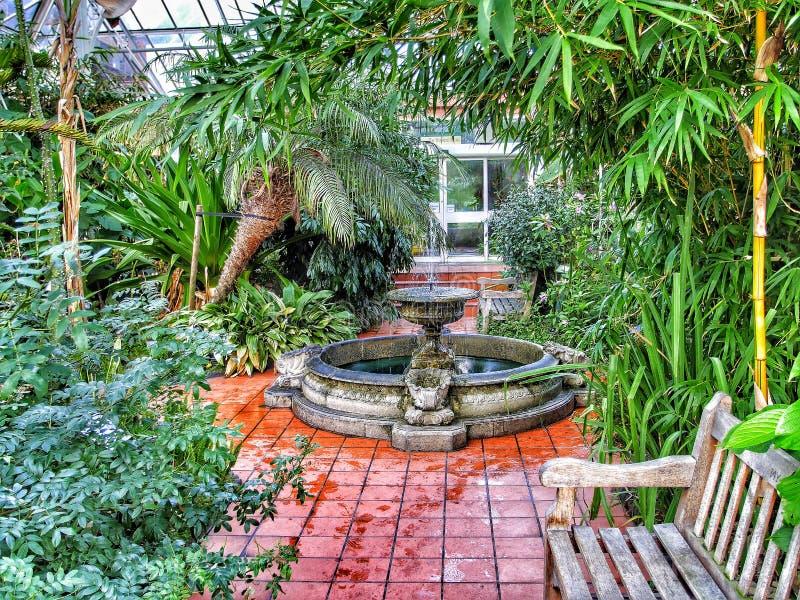 Download Jardines imagen de archivo. Imagen de demostración, invernaderos - 64205491