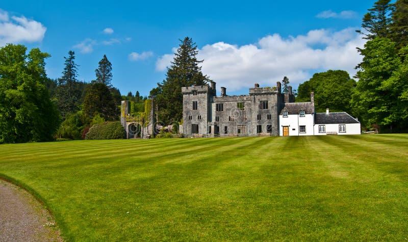 Jardines del castillo de Armadale imagen de archivo
