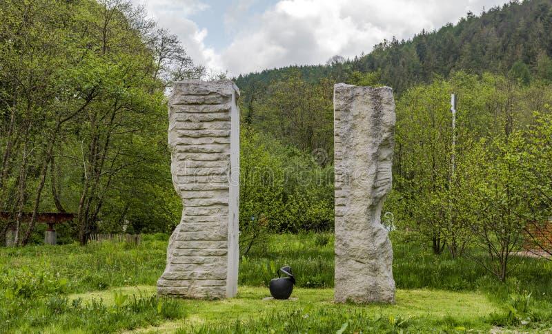 """Jardines Muddiford, Barnstaple, Devon del norte, †BRITÁNICO de la escultura de Broomhill """"16 de mayo de 2016: fotos de archivo libres de regalías"""