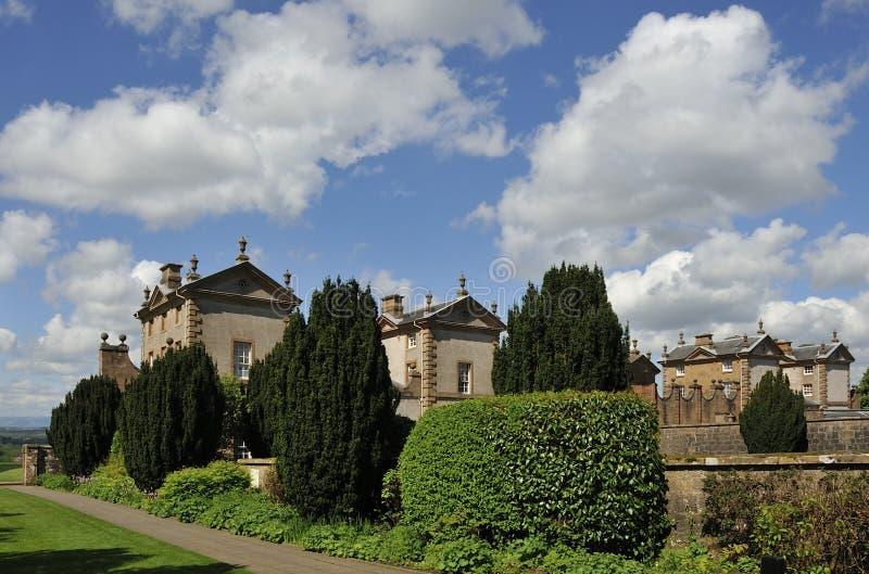 Jardines y edificio, Chatelherault imagenes de archivo