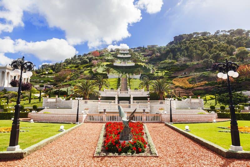 Jardines y templo en las cuestas de Carmel Mountain, Haifa de Bahai imagen de archivo