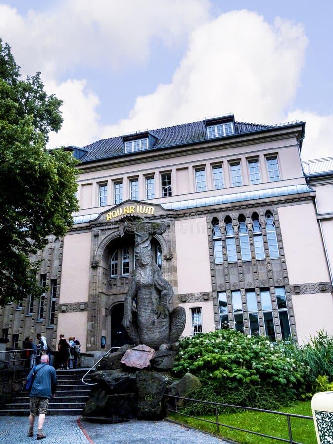 Jardines zoológicos y acuario en Berlin Germany Berlin Zoo es el parque zoológico visitado de Europa, con más de 3 3 millones de  fotos de archivo libres de regalías