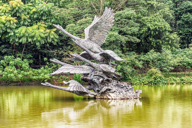 Jardins botânicos de Singapura, escultura da cisne, escultura das cisnes Ta imagem de stock