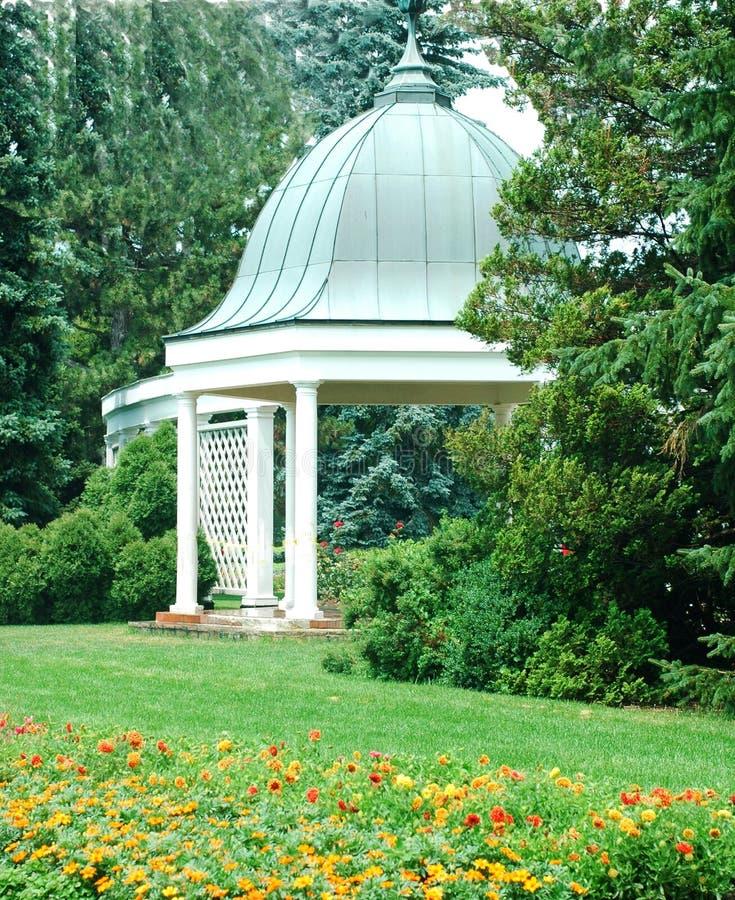 Jardins botaniques et Gazebo 5 images stock
