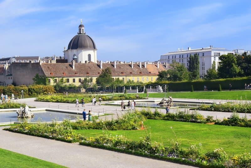 Jardins décoratifs de belvédère à Vienne, Autriche images stock