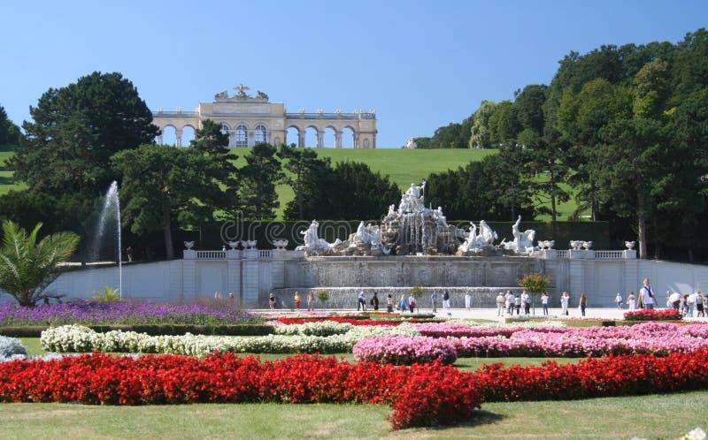 Jardins de palais de Schonbrum images libres de droits