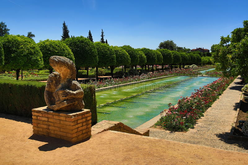 Jardins do Alcazar de los Reyes Cristianos, Córdova, Espanha O lugar é local declarado do patrimônio mundial do UNESCO Córdova, S fotografia de stock royalty free
