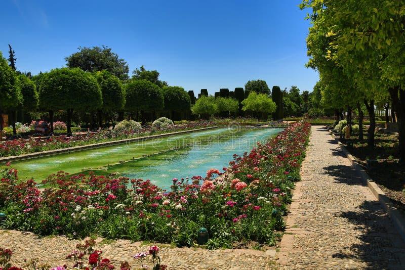 Jardins do Alcazar de los Reyes Cristianos, Córdova, Espanha O lugar é local declarado do patrimônio mundial do UNESCO Córdova, S imagem de stock