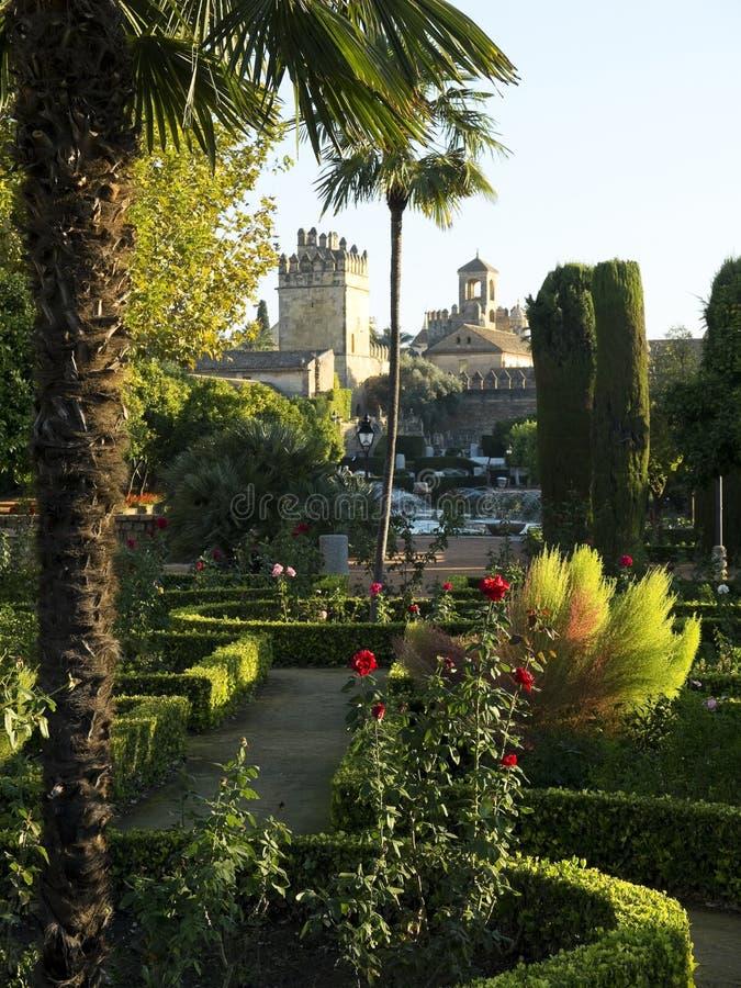Jardins do Alcazar de los Reyes Cristianos em Córdova spain imagem de stock royalty free