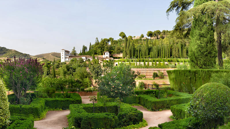 Jardins do castelo de Alhambra imagens de stock royalty free