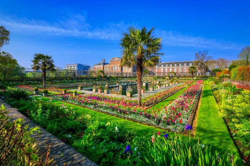 Jardins do palácio de Kensington em Londres, Reino Unido fotos de stock