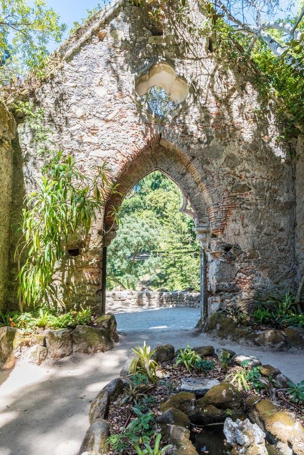 Jardins do palácio de Monserrate nos subúrbios de Sintra em Portugal fotografia de stock