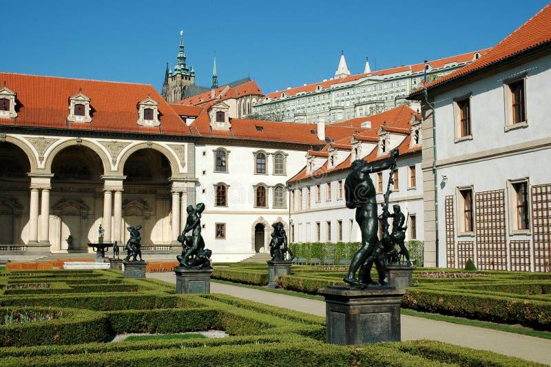 Jardins do palácio de Wallenstein em Praga imagem de stock royalty free