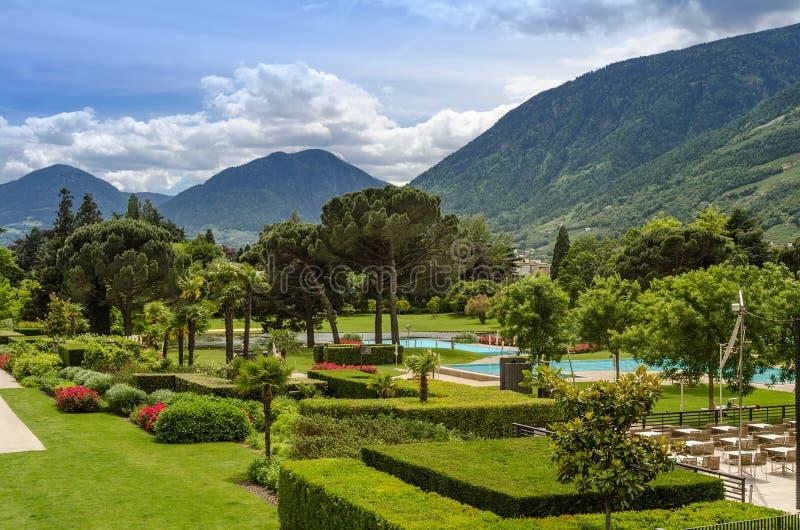 Jardins e banhos térmicos de Merano foto de stock royalty free