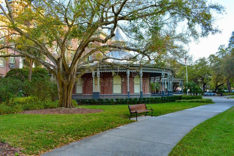 Jardins et galerie intérieurs par Henry B Musée d'usine dans le centre-ville 1 photographie stock libre de droits
