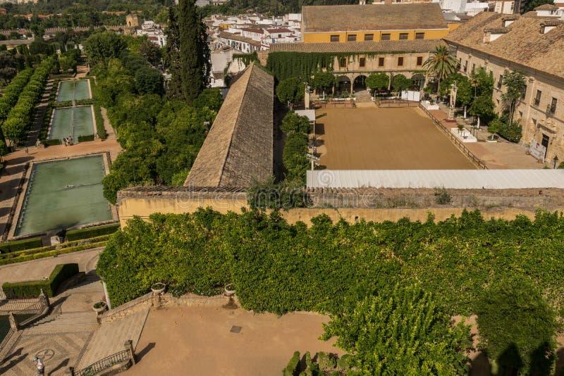 Jardins no Alcazar de los Reyes Cristianos em Córdova, Andal imagens de stock royalty free