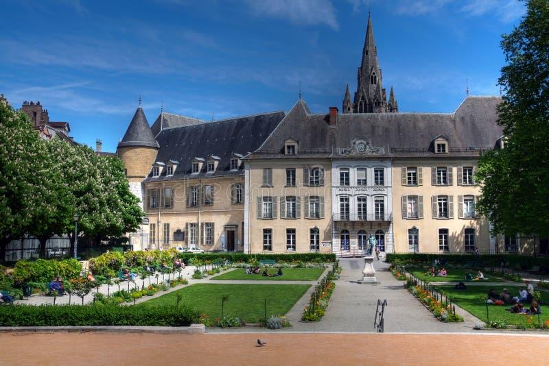 Jardins públicos e câmara municipal velha, Grenoble, France fotos de stock