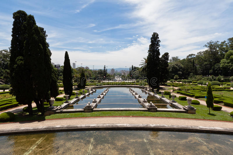 Jardins Sao Paulo de palais d'Ipiranga image stock