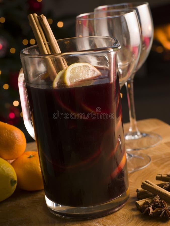 Jarro de vinho Mulled imagens de stock royalty free