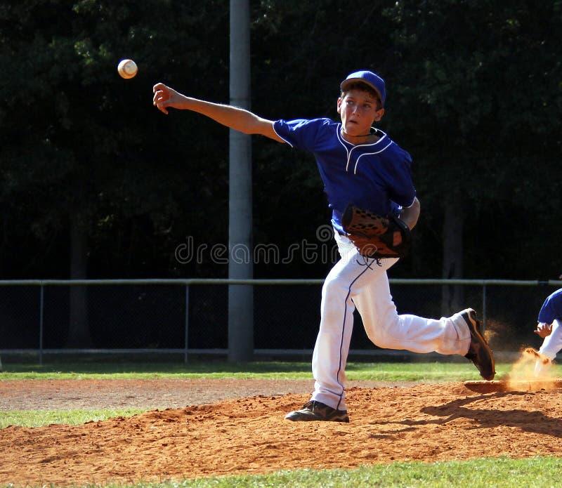 Jarro do basebol da liga júnior foto de stock royalty free